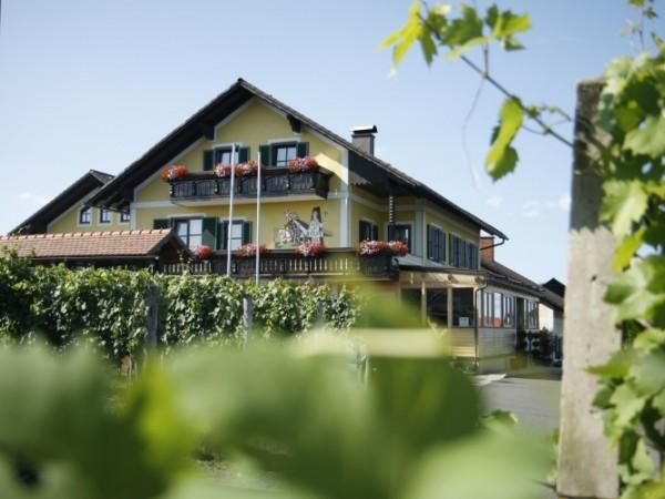 Weingut & Buschenschank Giessauf-Nell